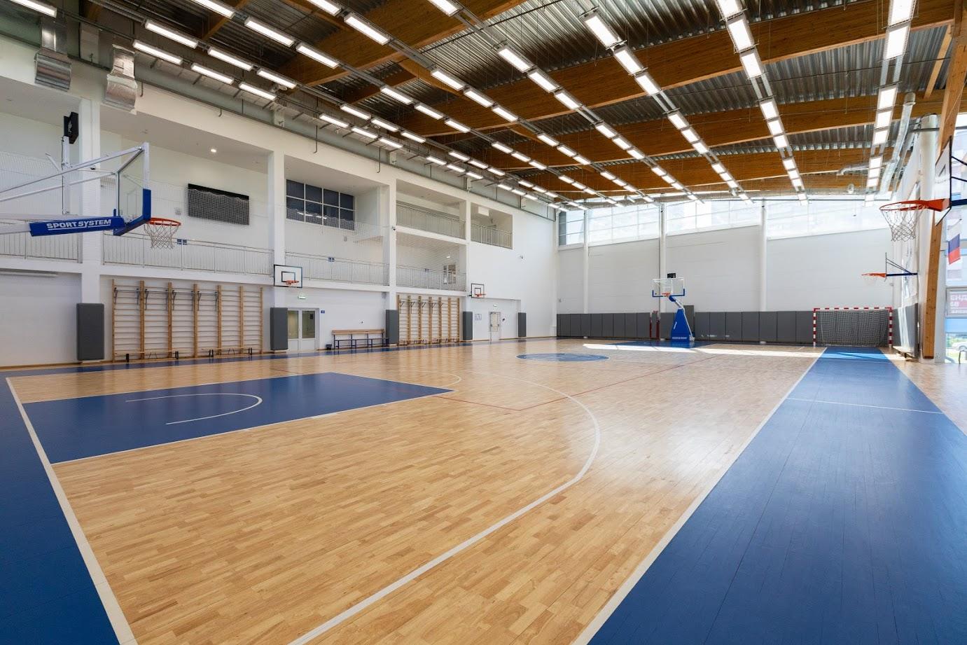 Игровой спортивный зал на Дианова, 14А